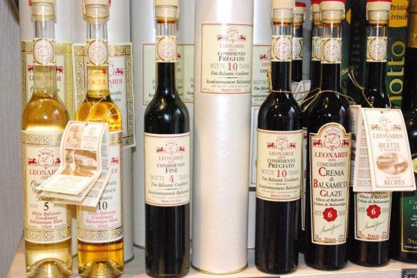 galleria-olio-aceto-macelleria-paltrinieri-quality-food-ferrara1